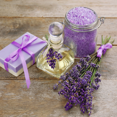12 Must-Have Essential Oil Accessories to Add to Your Collection