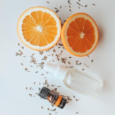 How to Make DIY Essential Oil Bathroom Spray to Clean & Refresh