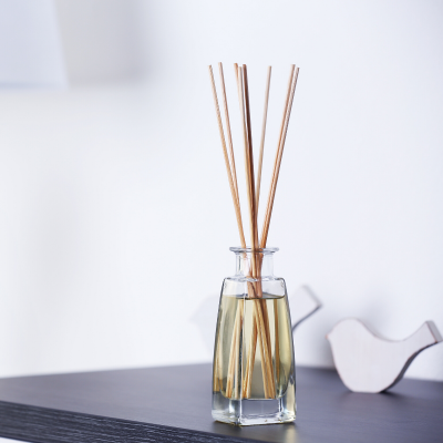 A Guide for Making an Essential Oils Reed Diffuser on a Budget